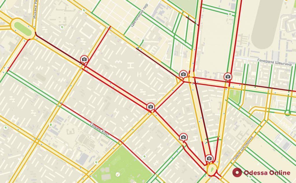 Дорожная обстановка в Одессе: пробки и ДТП на Слободке