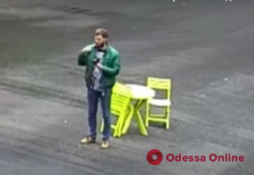 Крестился, «подрезал» и таранил авто: появилось видео поездки амфетаминщика на Subaru по Одессе