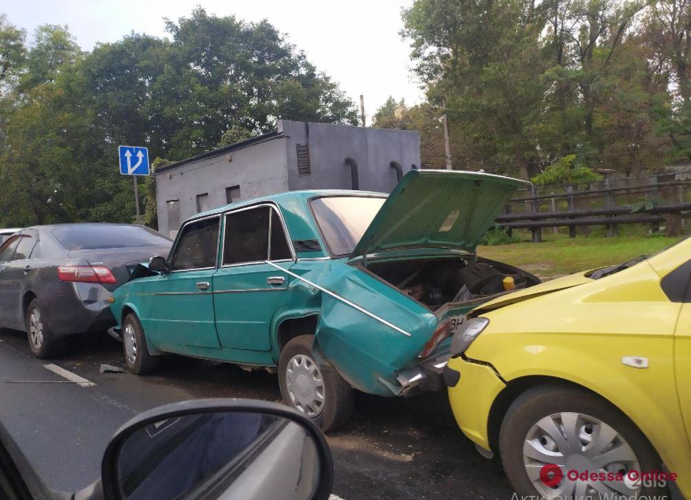 Дорожная обстановка в Одессе: пробки на Черемушках и Таирова