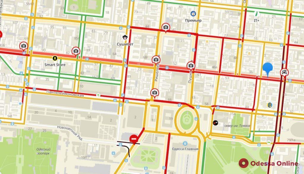Дорожная обстановка в Одессе: большие пробки на Слободке, Таирова и Черемушках