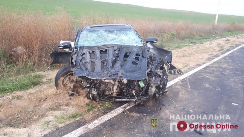 В Одесской области Lexus врезался в микроавтобус (фото)