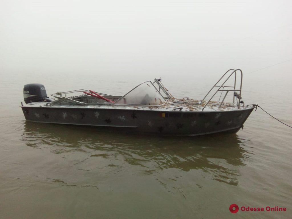 На Дунае пограничники задержали двух румынских рыбаков