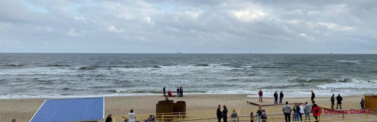 В Черноморске на пляже утонул мужчина (обновлено)