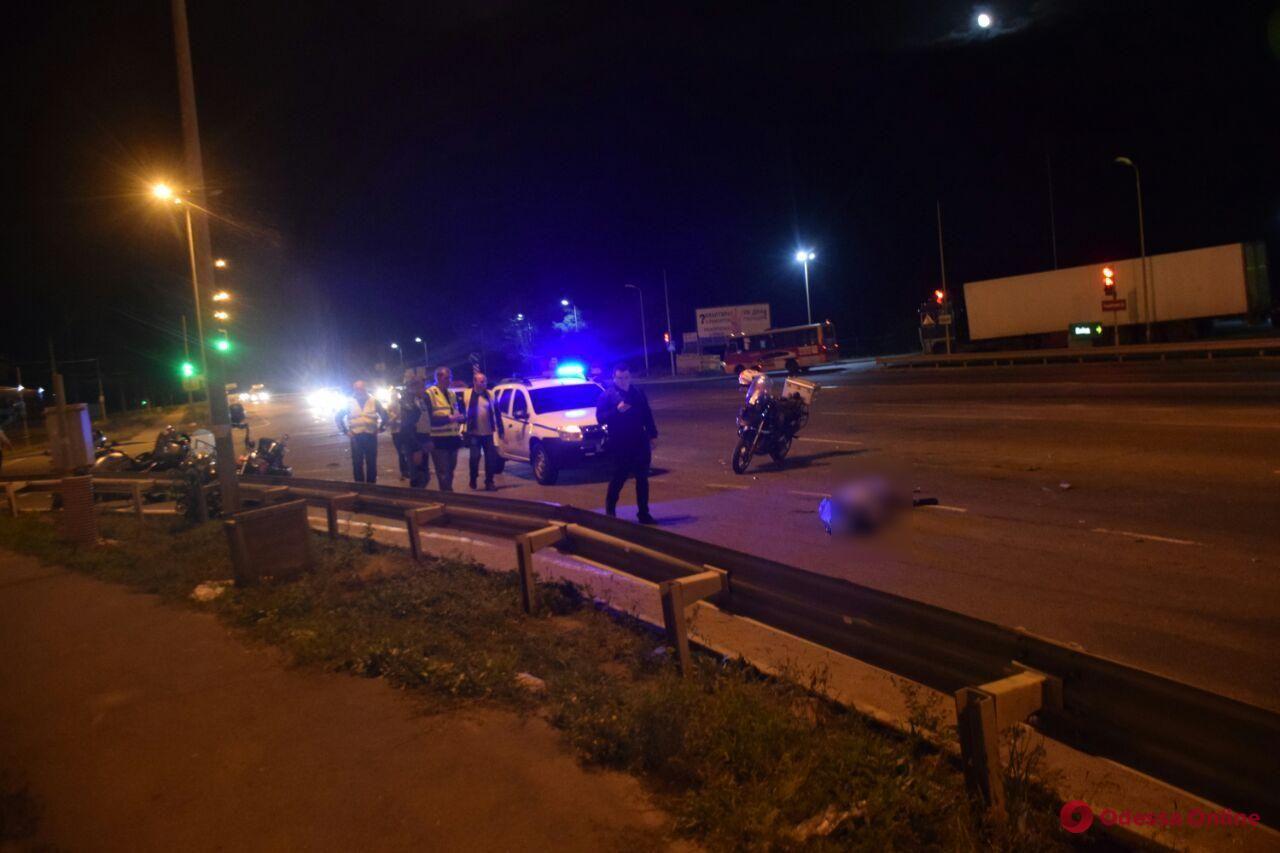 На поселке Котовского автомобиль насмерть сбил мопедиста