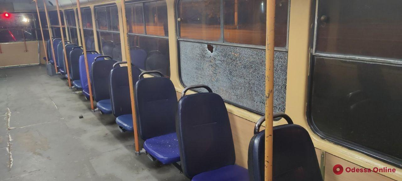 В Одессе вандалы закидали камнями трамваи