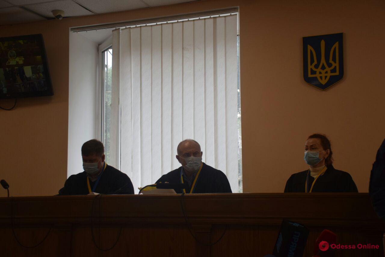 Дело Стерненко: родственники убитого бойца ВСУ требуют свыше 4 миллионов за моральный ущерб