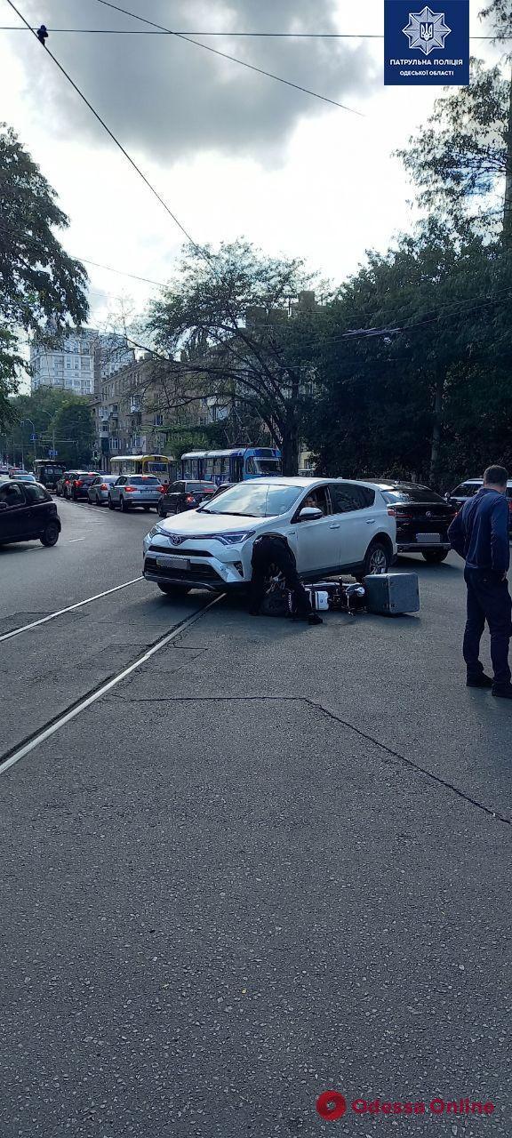 В ДТП на Лидерсовском бульваре пострадал мопедист