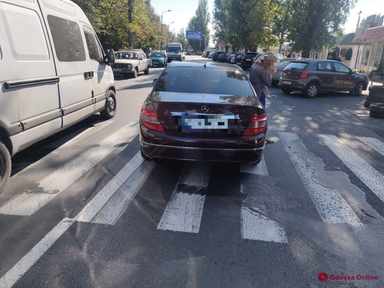 В Одессе автоледи на «Мерседесе» сбила 72-летнюю женщину