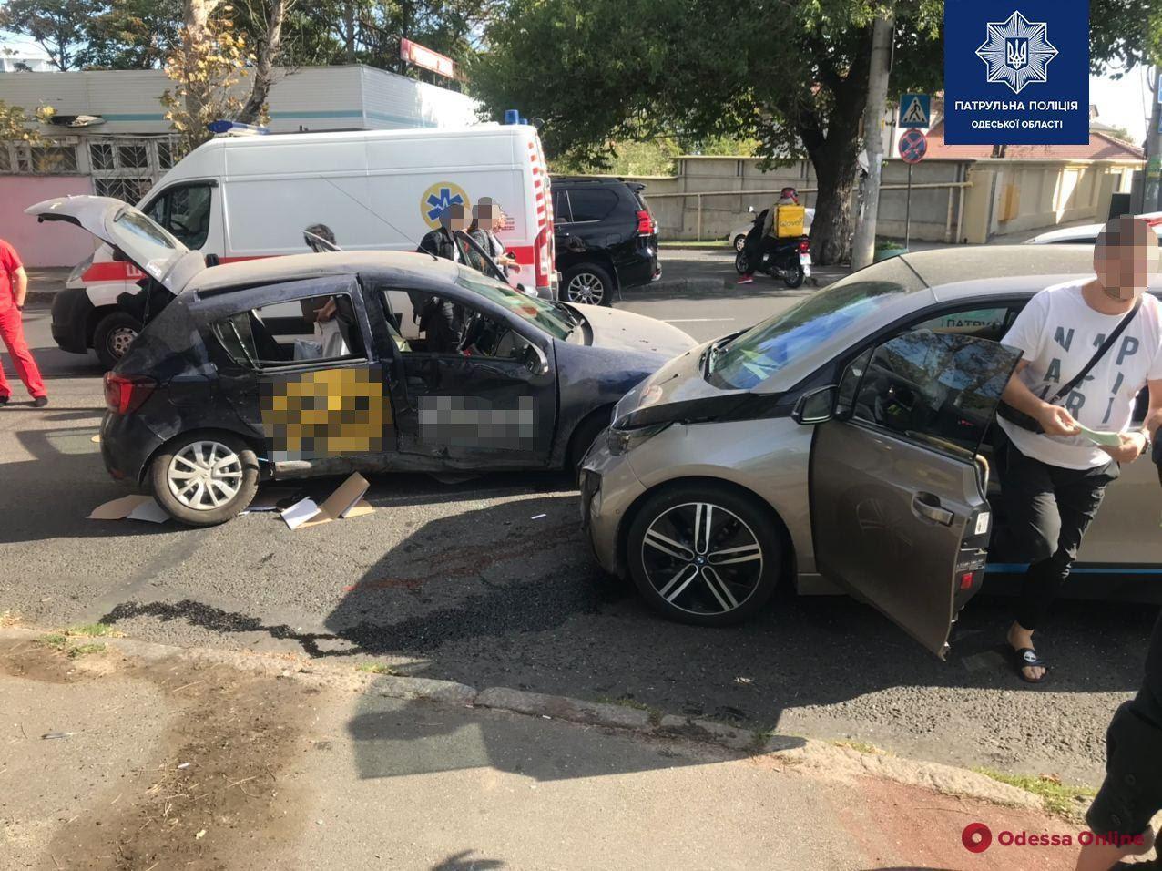 На Фонтанской дороге в ДТП погибла женщина