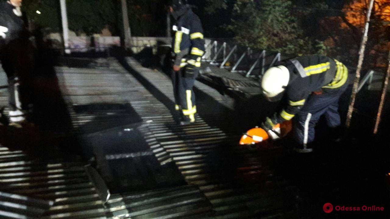 На Таирова ночью сгорел магазин