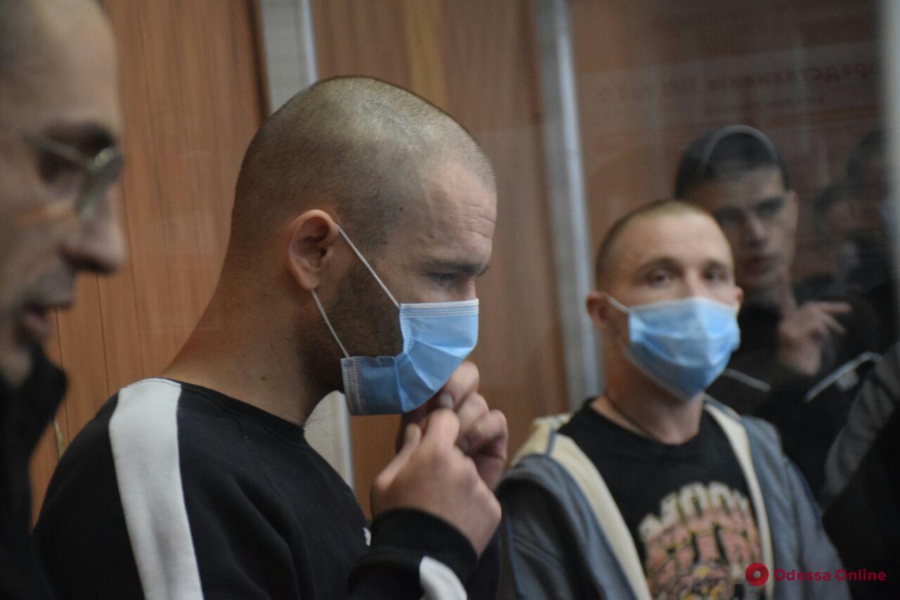 Бунт в одесской колонии: семеро подозреваемых в зале суда ранили себя в знак протеста (обновлено)