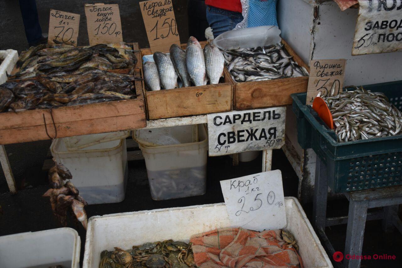 Груши, раки и кабачки: воскресные цены на одесском «Привозе»