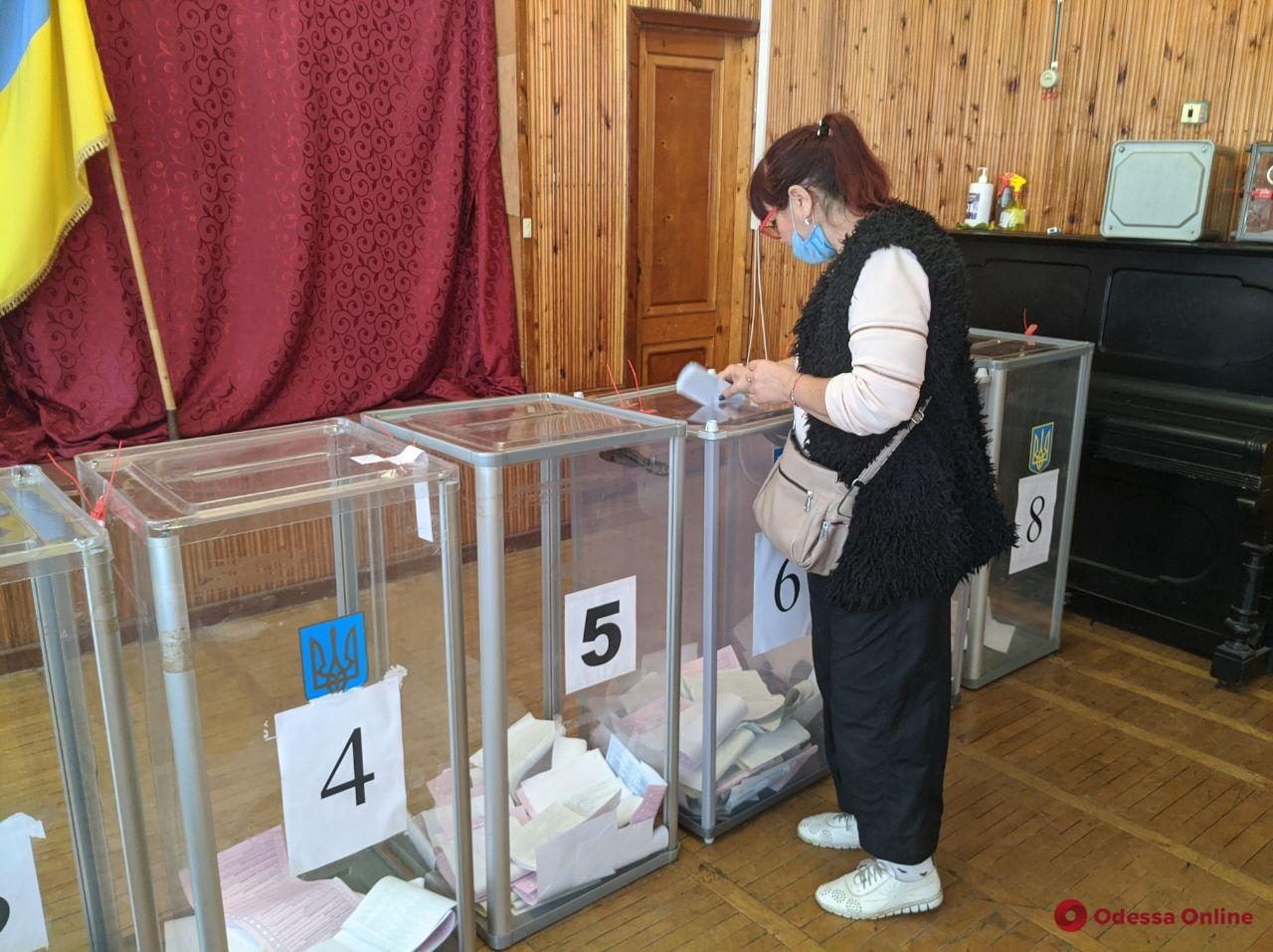 Одесса: в день выборов будут работать дополнительные автобусы