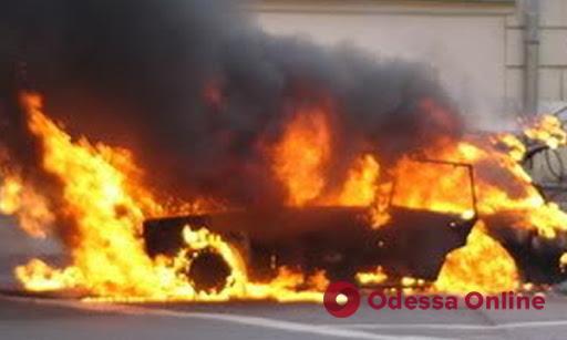 Под Одессой взорвали автомобиль кандидата в депутаты – есть пострадавший (обновлено)