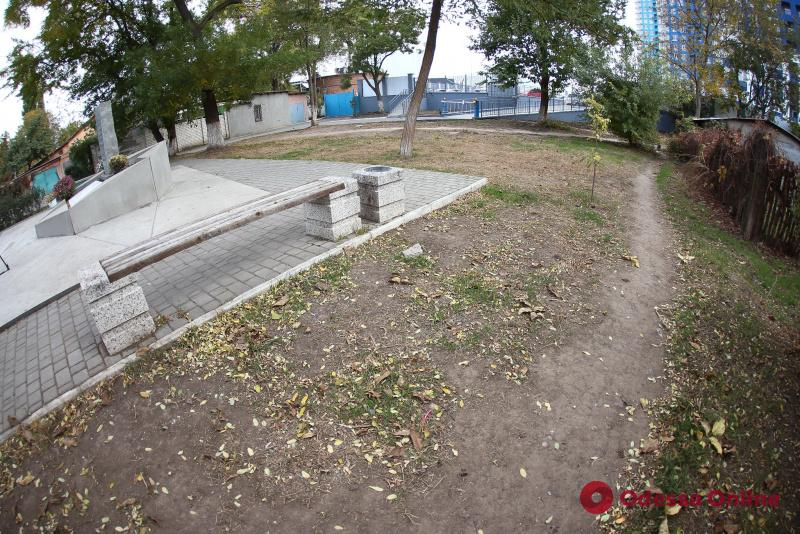 Геннадий Труханов: возле памятного знака жертвам трагедии 1941 года будет создан мемориальный комплекс и сквер