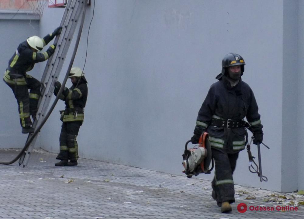 На Желябова горел склад (фото)