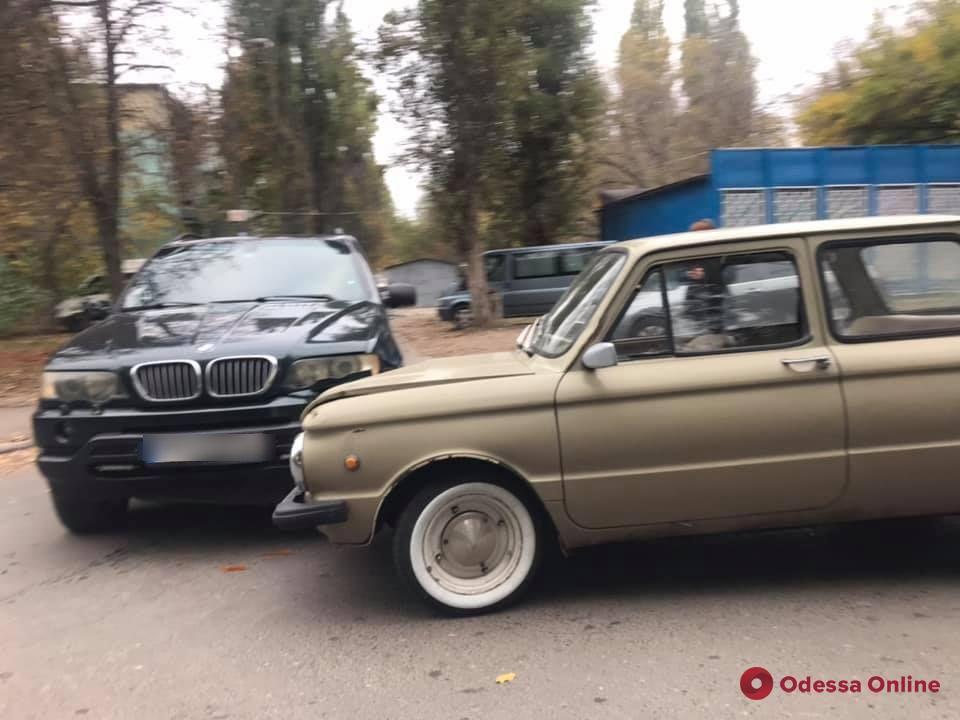 В Одессе на Черемушках произошло «анекдотичное» ДТП (фото)