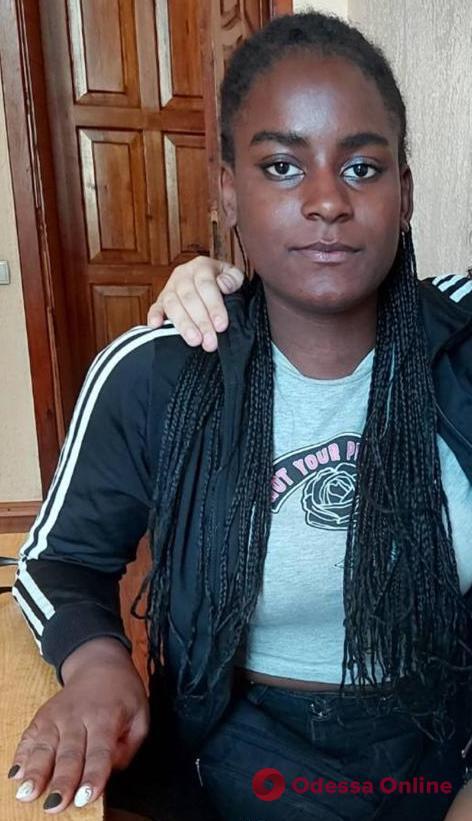 В Одессе пропала 15-летняя девушка (обновлено)