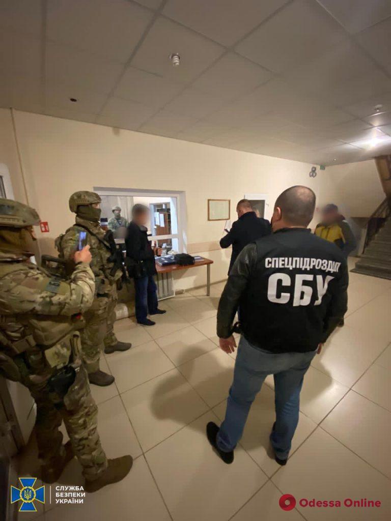 В Одесской области полицейский «собирал дань» с автоперевозчиков (обновлено)