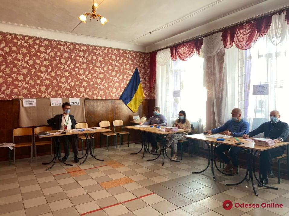 Выборы городского головы: в Одессе открылись все избирательные участки для повторного голосования