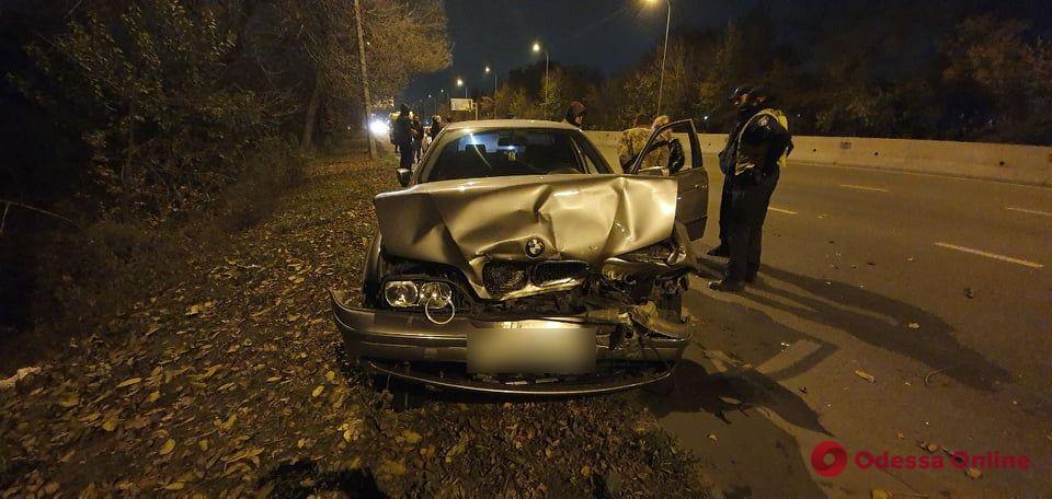 На Киевском шоссе пьяный водитель на BMW врезался в два авто — пострадала пятилетняя девочка
