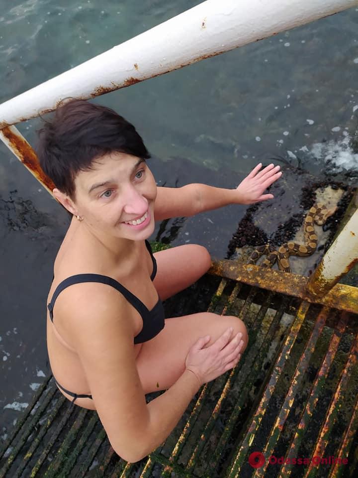 На Ланжероне одесситка во время купания в море нашла удава (фото)