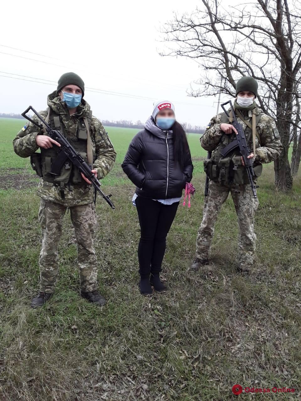 Бросила детей и пошла к подруге в Молдову: пограничники задержали нарушительницу
