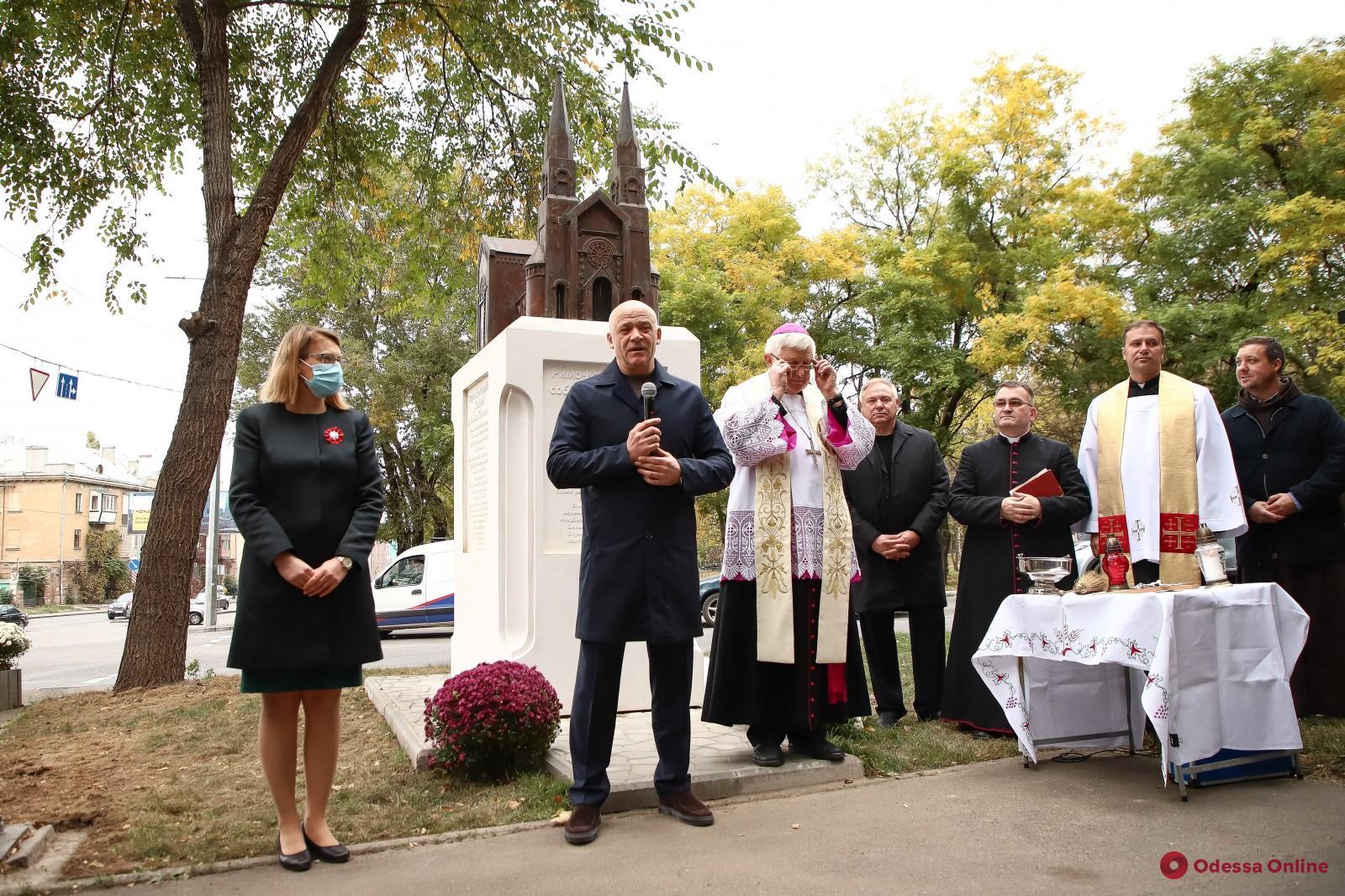 Мэр Одессы Геннадий Труханов поздравил поляков с Днем независимости