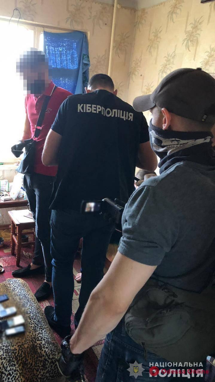 Жительница Одесской области «разводила» людей на деньги под видом продажи детских вещей