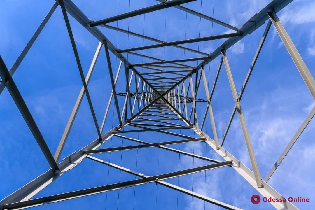 Энергетики возобновили электроснабжение в Аркадии и на Черемушках