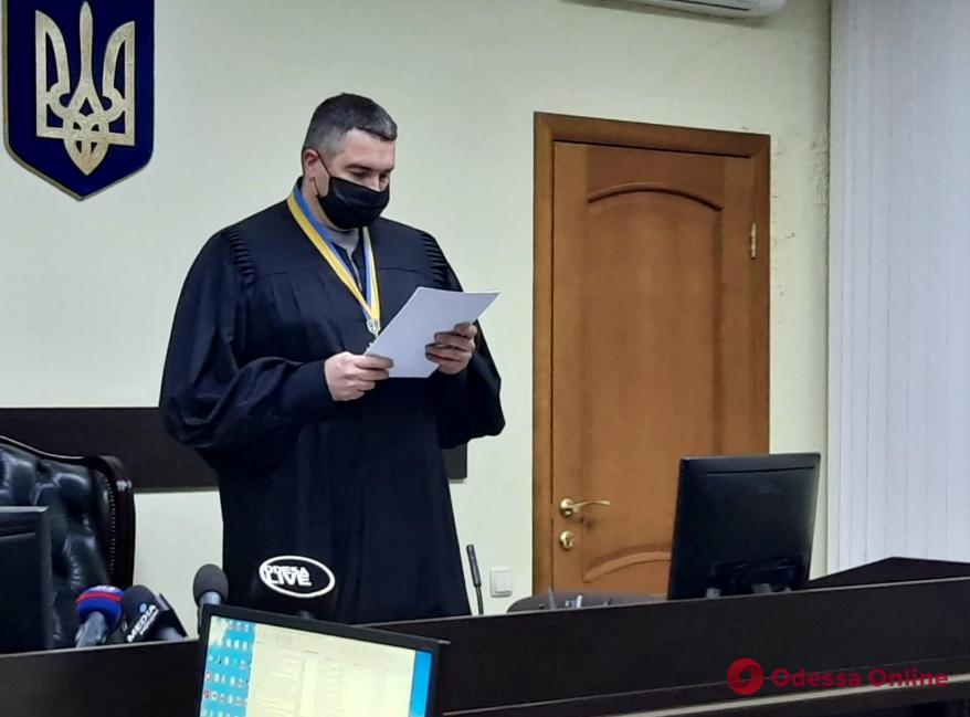 Суд признал незаконным пересчет бюллетеней в Суворовском районе