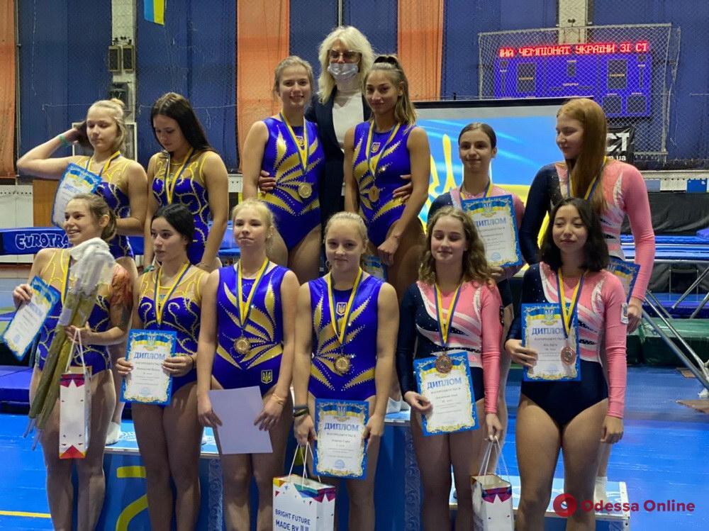 Прыжки на батуте: одесситы выиграли командный чемпионат Украины