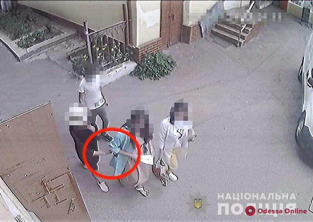 В Одессе поймали карманницу-иностранку
