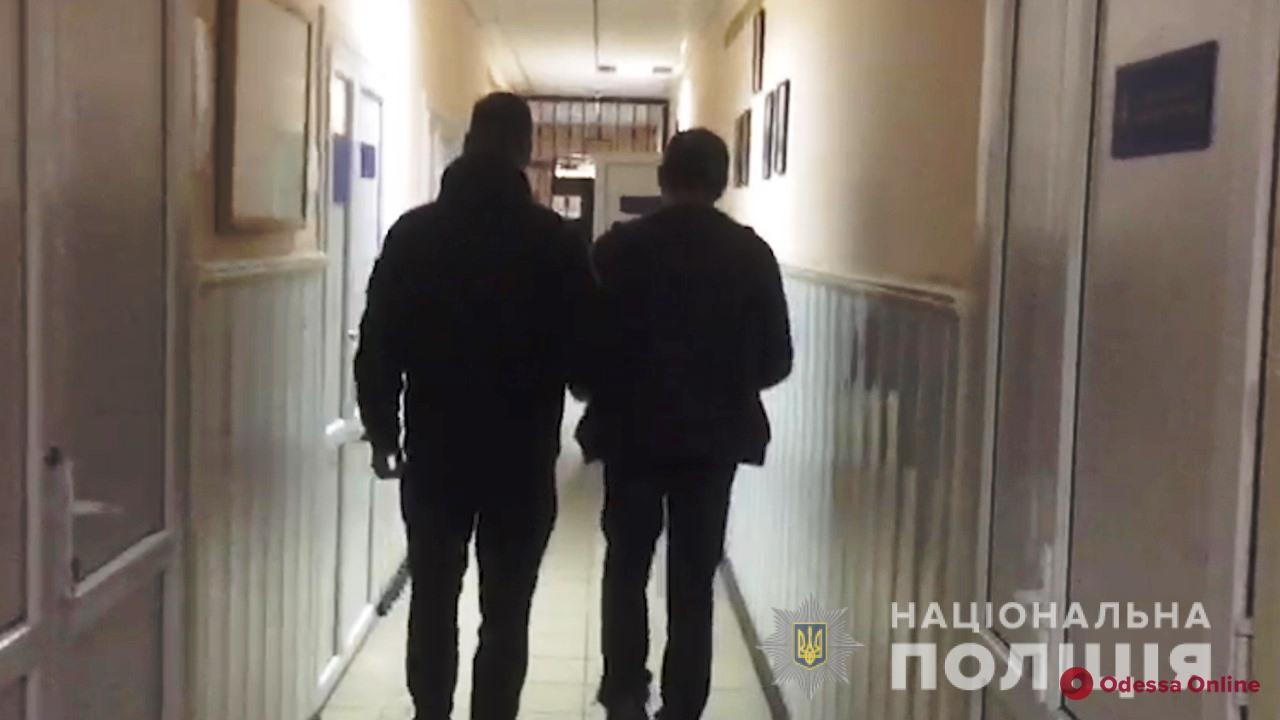 «Приказал убить голос в голове»: в Одесской области парень зарезал односельчанку