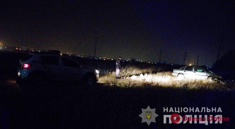 Под Одессой Opel Vectra ночью слетел в кювет и перевернулся – водитель скончался