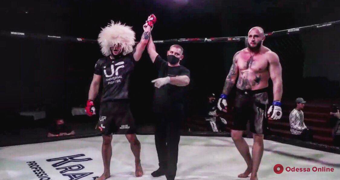 Одесский боец ММА завоевал чемпионский пояс за 30 секунд (видео)