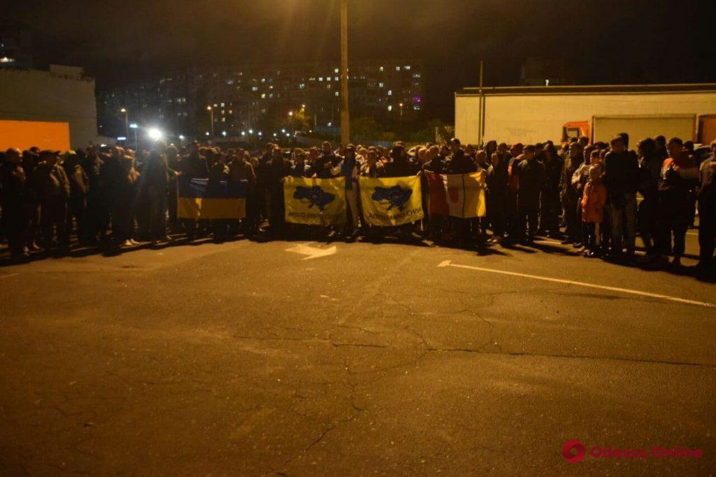 На Балковской владельцы евроблях митинговали против штрафов (фото)