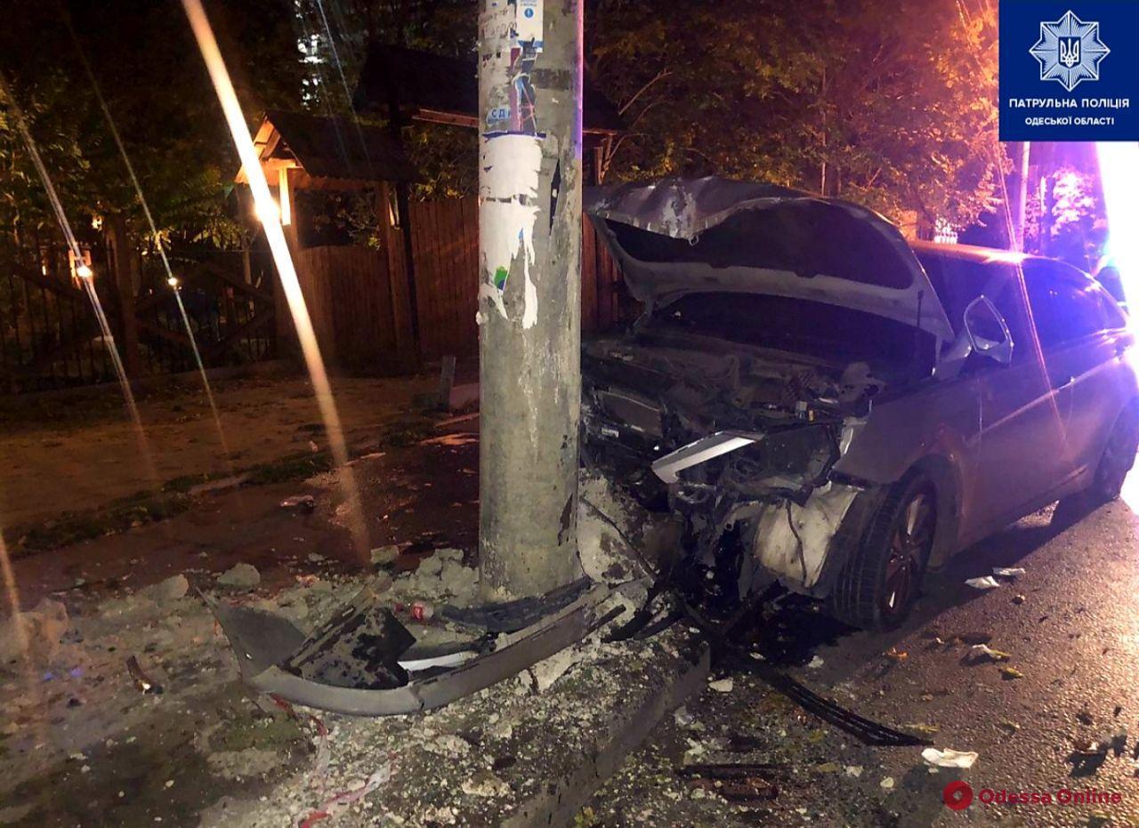 В ДТП на Фонтане пострадала 18-летняя девушка