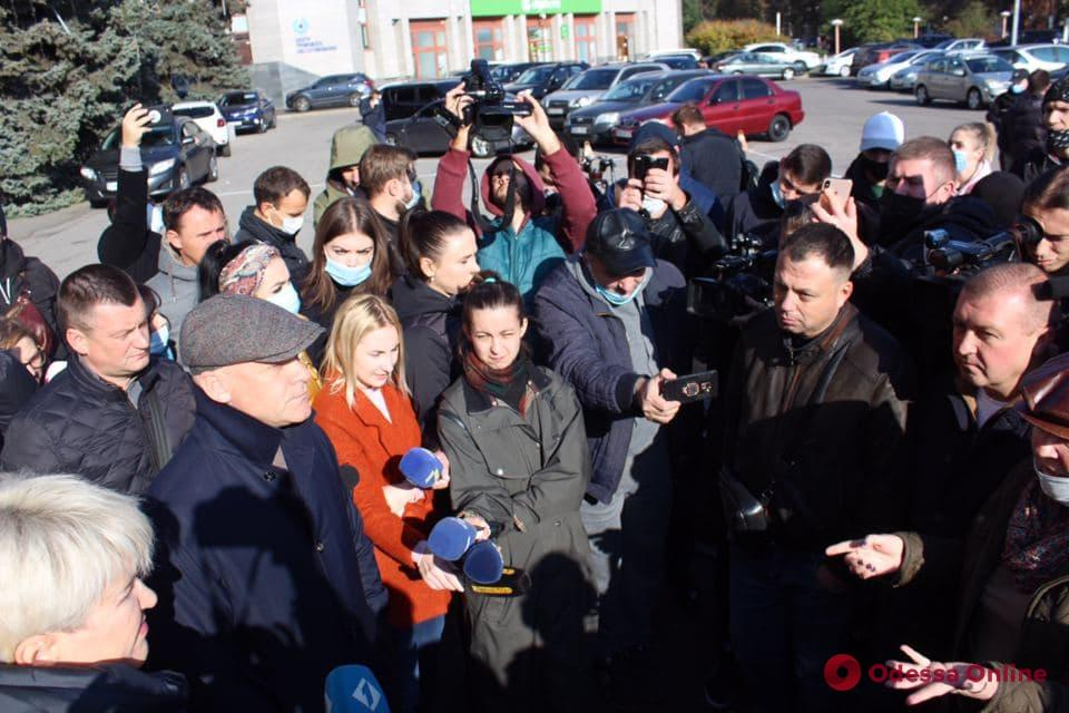 Геннадий Труханов поддержал одесских рестораторов на митинге против карантина «выходного дня»