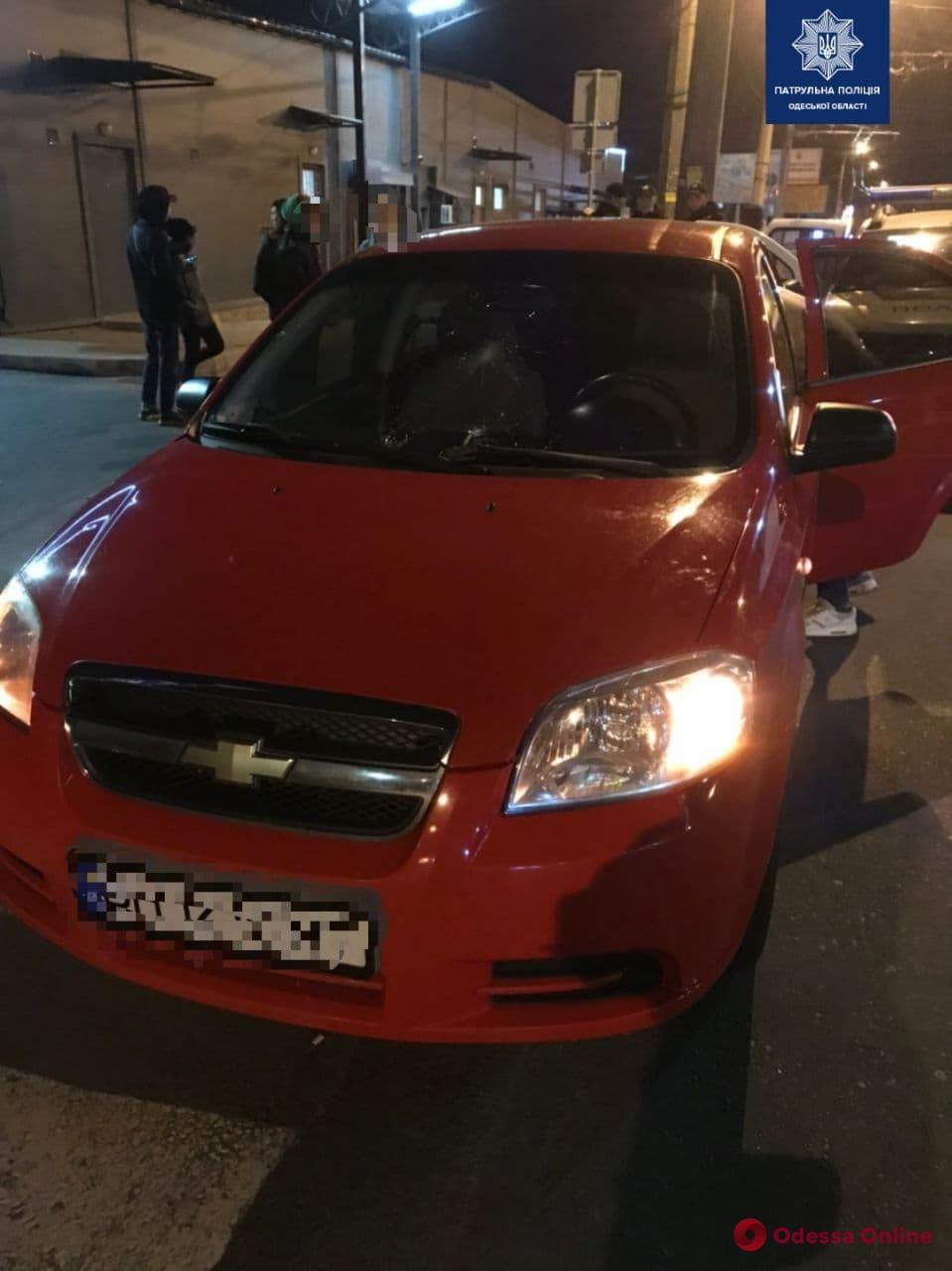 На Дальницкой Chevrolet въехал в толпу протестующих (обновлено)