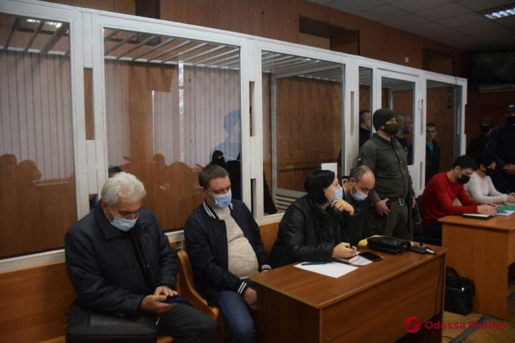 Бунт в одесской колонии: суд перенесли — конвоиры оставили в СИЗО одного из обвиняемых