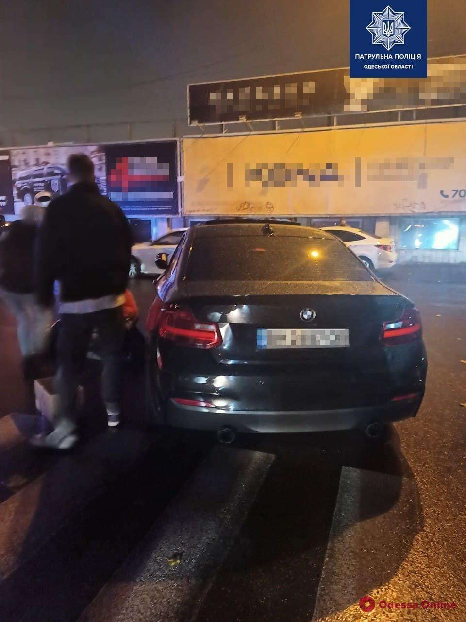 В Одессе на пешеходном переходе BMW сбил женщину