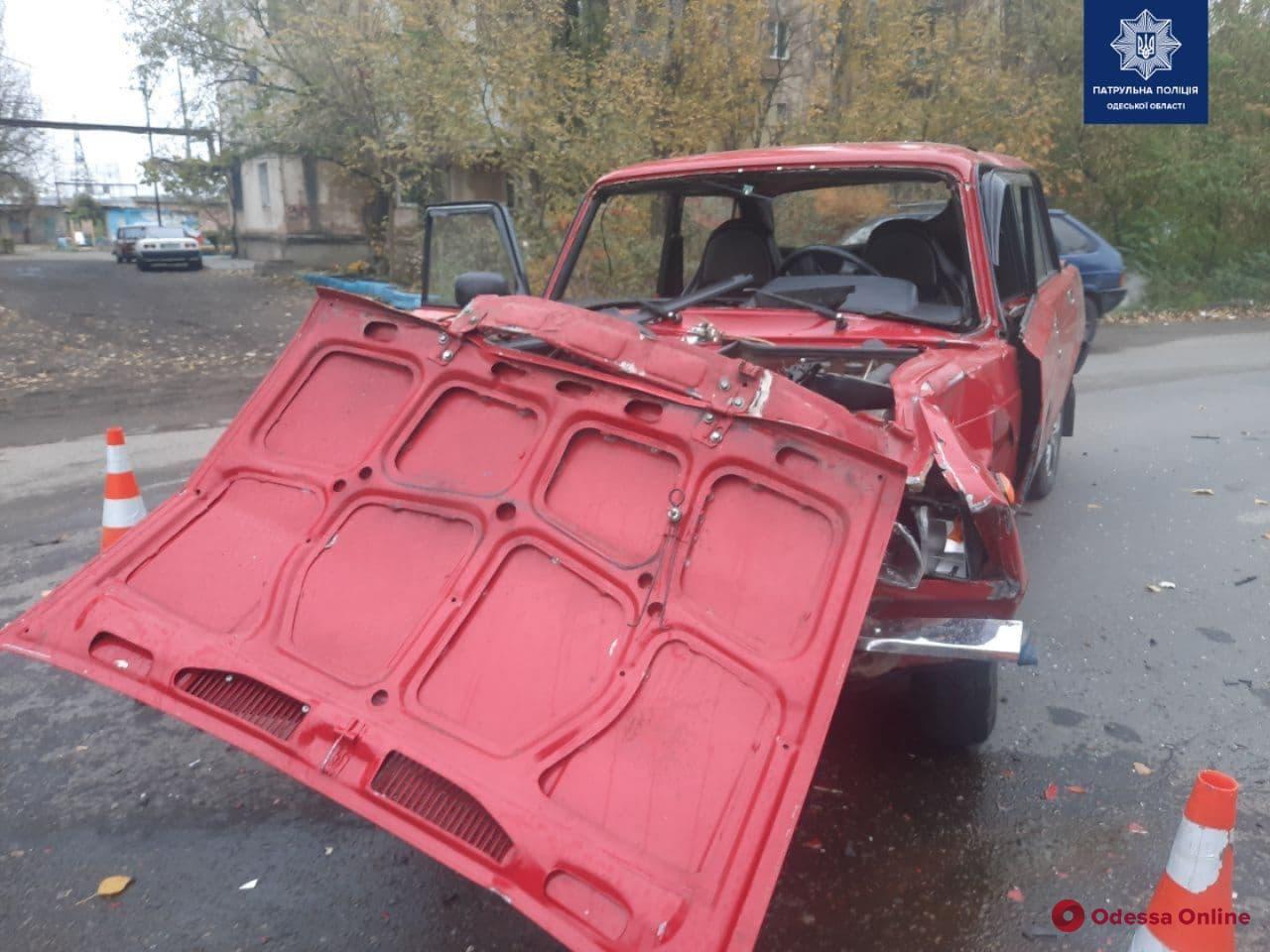 На Балтской дороге в тройном ДТП пострадал мужчина (фото)