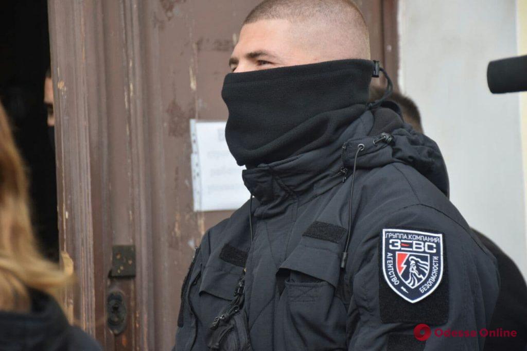 Выборы ректора Одесского медуниверситета проходят за закрытыми дверями (фото, видео)