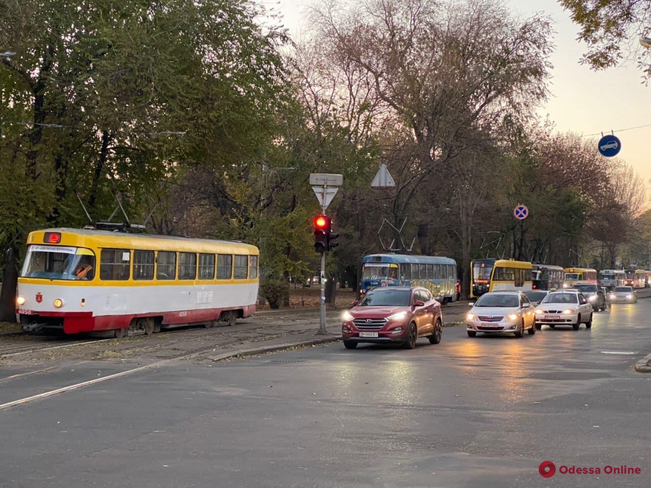 Из-за ДТП на Старопортофранковской не ходят трамваи (фото)