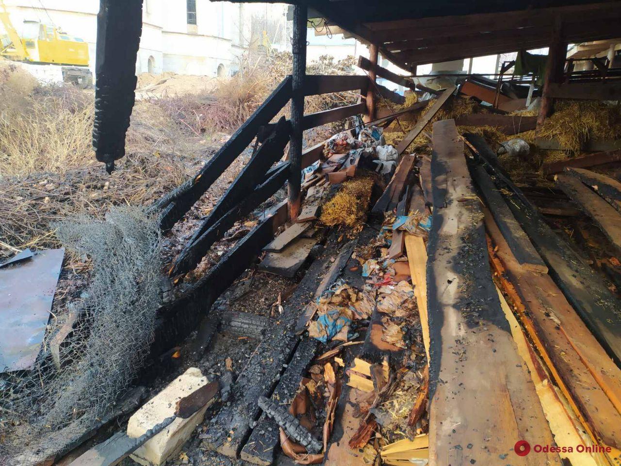 На территории храма на поселке Котовского горела пристройка