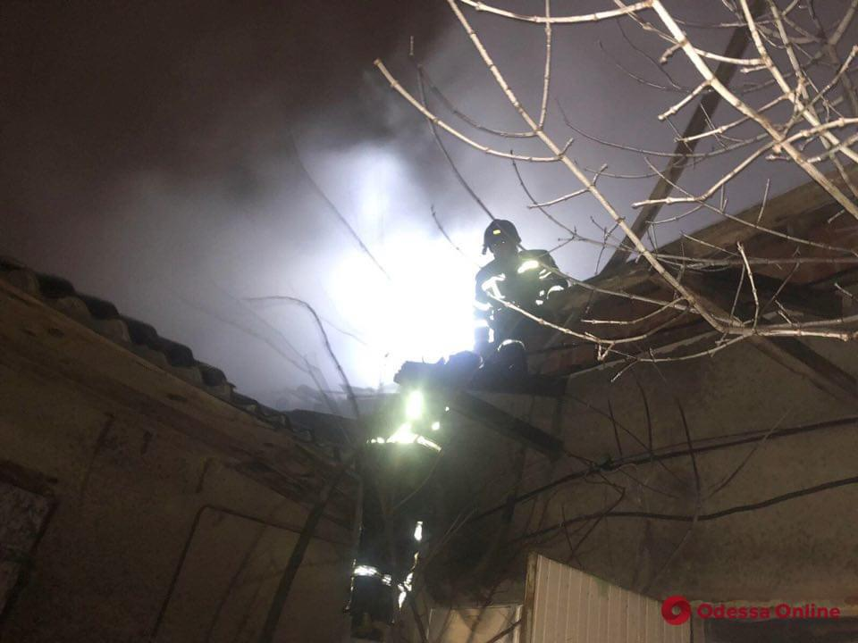 В Фонтанке горел склад (фото)