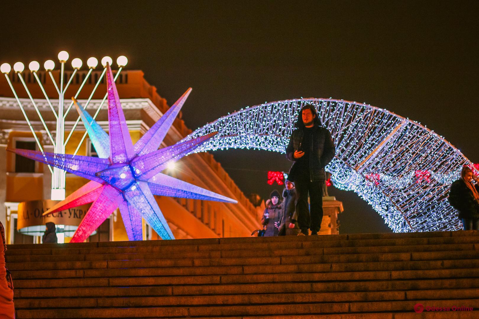 Сказочный город: прогулка по предновогодней Одессе (фоторепортаж)