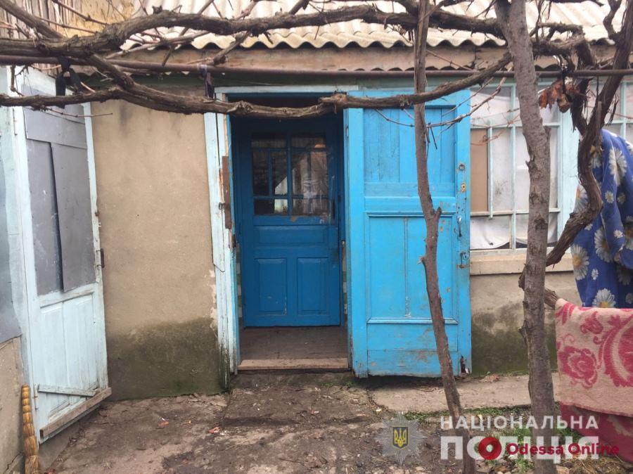 Житель Одесской области из-за сдачи пытался убить соседей молотком