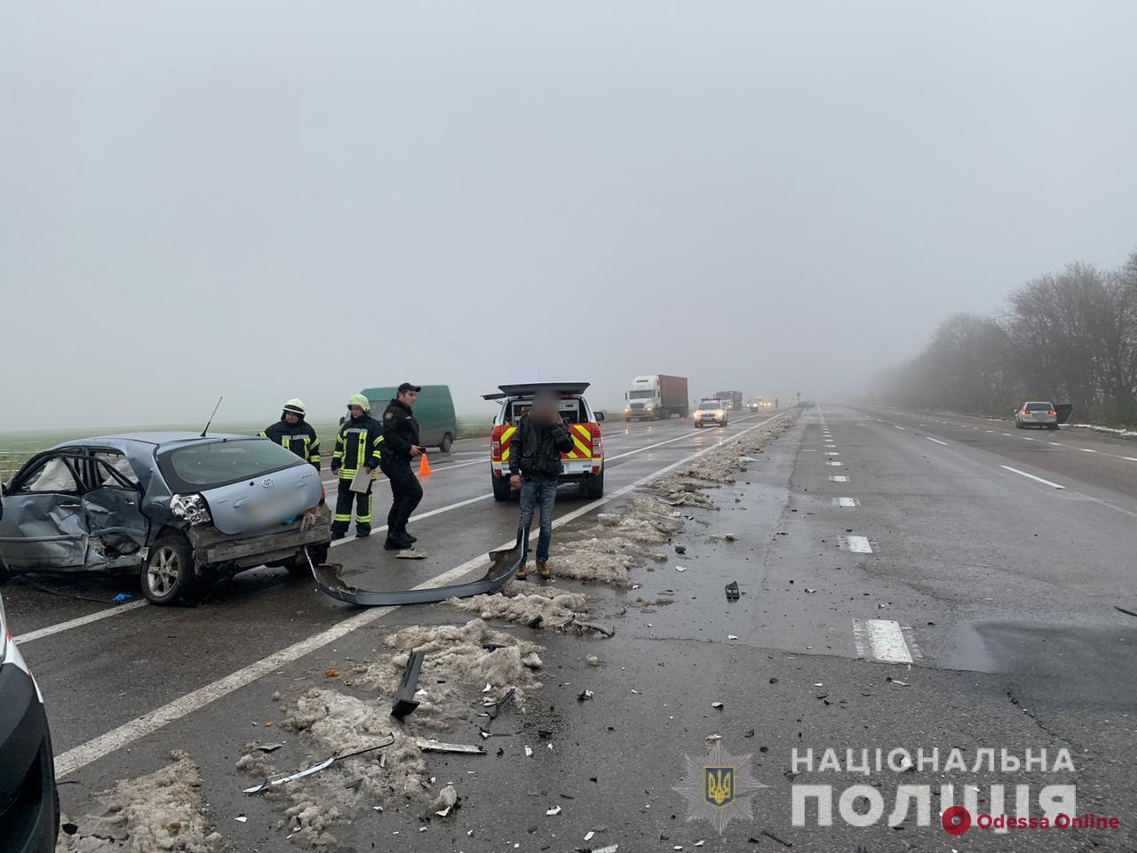 На трассе Одесса — Киев столкнулись две легковушки: есть погибшие